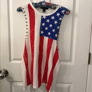 American Flag Tee - Excellent condition 🇺🇸